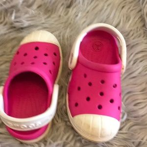 Kids crocs size 7 pink